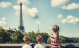 Family at the eiffel Tour